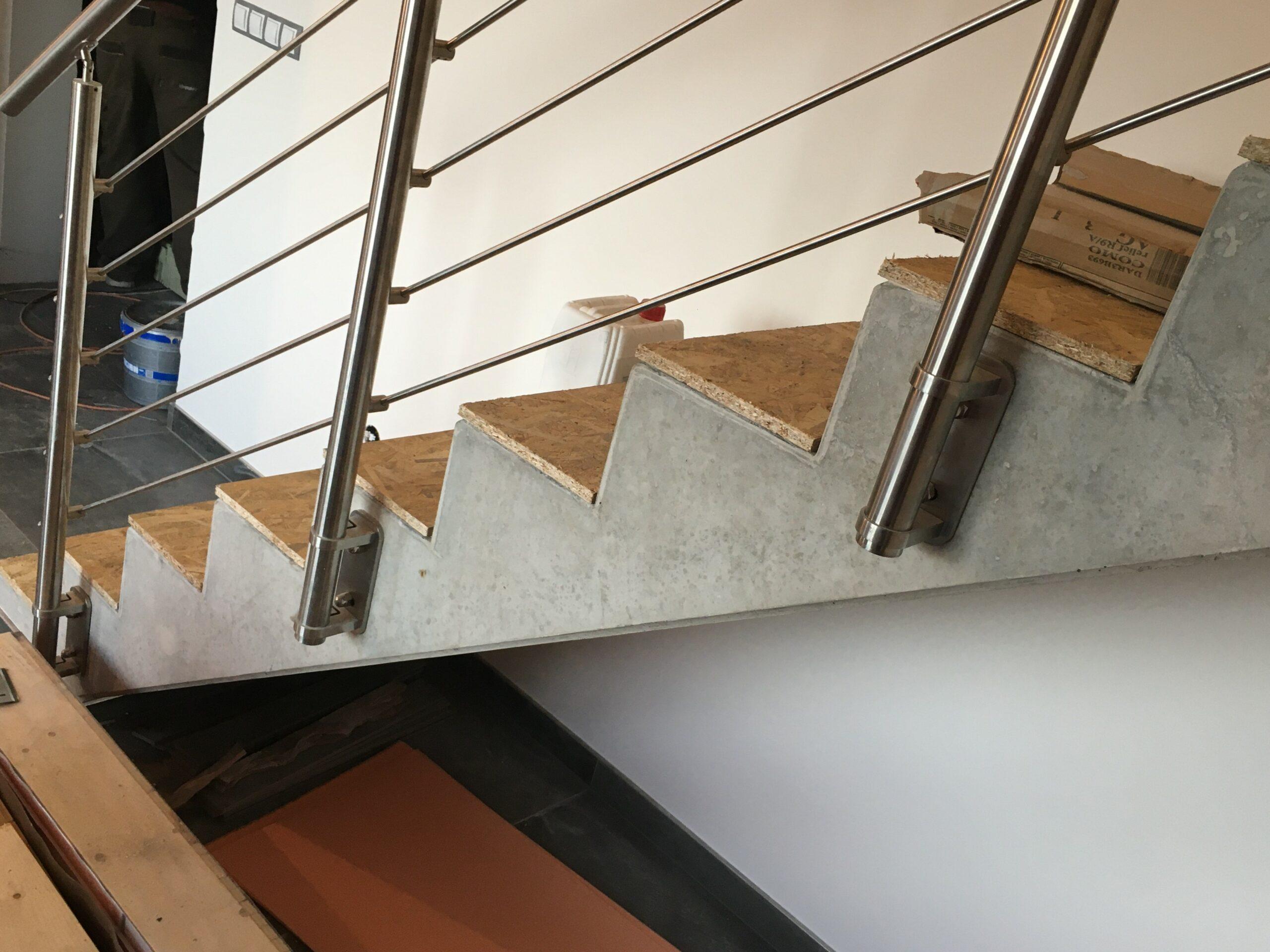 RD Nové Strašecí - obložení schodiště dřevěnou podlahou 5