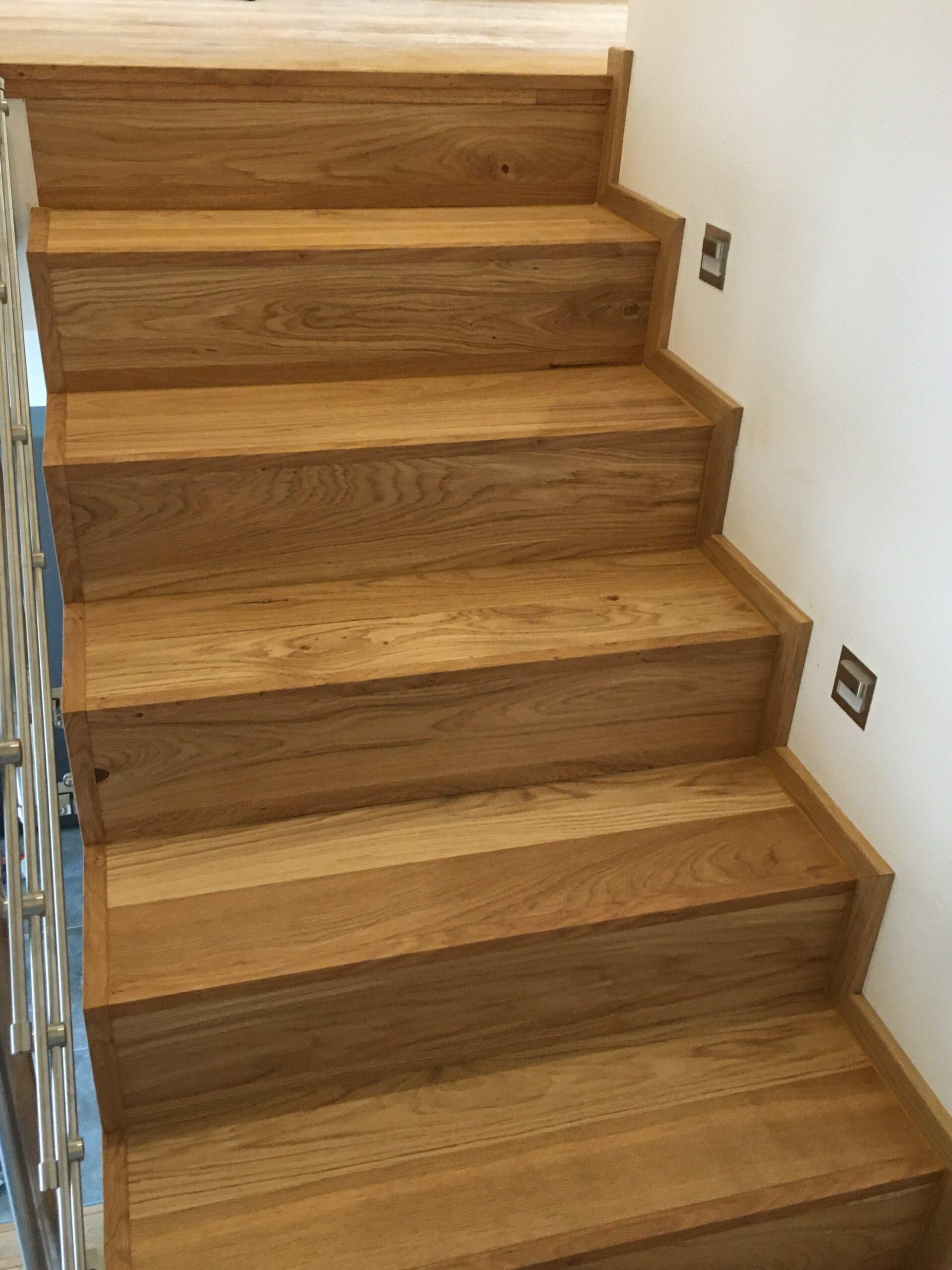 RD Nové Strašecí - obložení schodiště dřevěnou podlahou 4