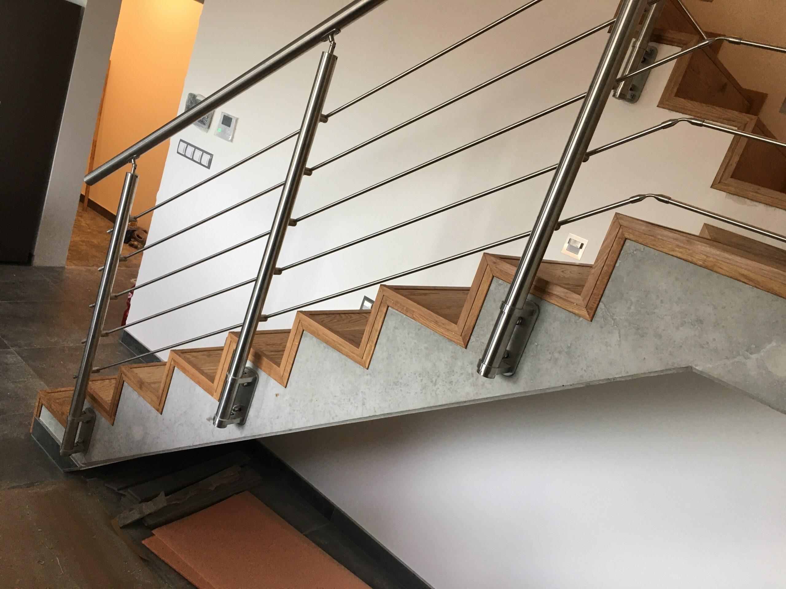 RD Nové Strašecí - obložení schodiště dřevěnou podlahou